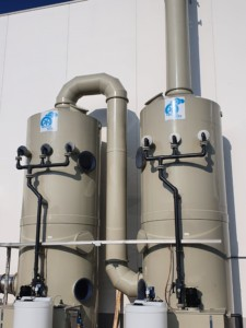 Skruber do oczyszczania podstawowych oparów powstających podczas mycia płyt ze stali nierdzewnej